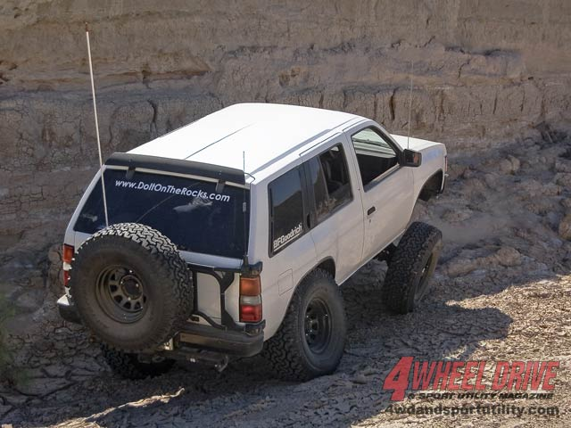 1990 Nissan Pathfinder Straight Axle Conversion